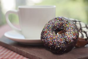 donut and coffee-2228986_960_720